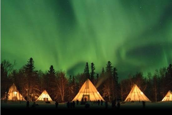 加拿大温哥华洛矶山脉黄刀北极光12天游